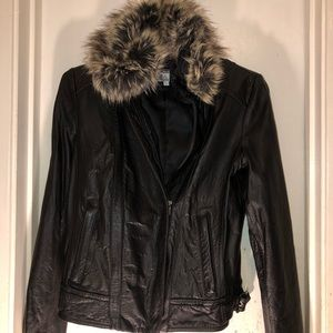 Pelle Studio Black Leather Jacket w/faux fur🖤